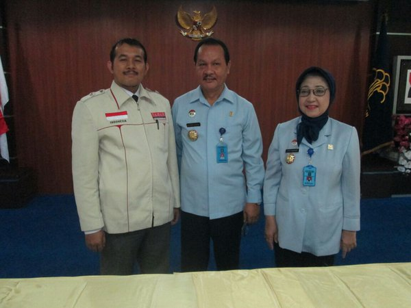 Direktur Eksekutif PAHAM Indonesia Ahmar Ihsan Rangkuti, S.H. bersama Ka. Kanwilkumham DKI Jakarta  Usai penandatnganan kontrak kerja sama